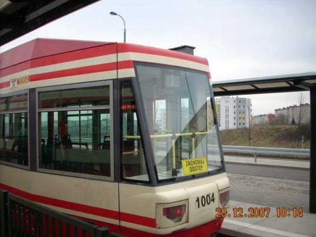 Tył gdańskiego NGd99 na Chełmie #Chełm #Citadis #Gdańsk #tramwaj #tramwaje #ZKMGdańsk