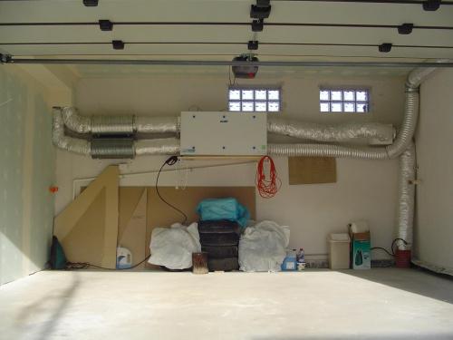 jak widac,calosc troche zajmuje,najlepiej w garazu lub poddaszu miec warto to urzadzenie,podobno jest ciche,ale komfort montazu i serwisu...dogladania..jest istotny..
