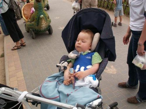 Szymon jak zwykle przygotowany na każdą okazję #dzieci #SMA #dinozaury