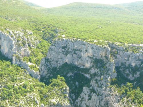 Droga ns skałach wznoszących się ponad 700 m #CanionDuVerdon
