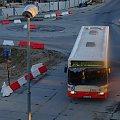 autobus ZKM-u Gdańsk linii wchodzi w zakręt i za chwilę dojedzie do stacji końcowej #ZKMGdańsk #Wrzeszcz