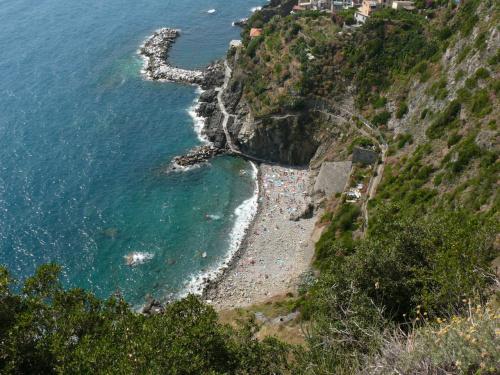 Cinque Terre plaża w Romazzino #Liguria #Włochy #Wybrzeże