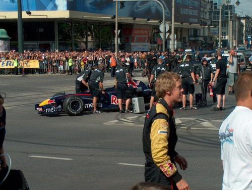 Vettel ;] kierowca 19 letni i jego bolid